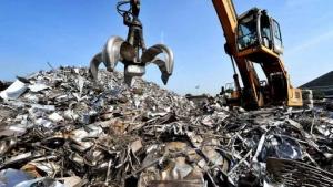 تاثیر قیمت دلار بر بازار فولاد